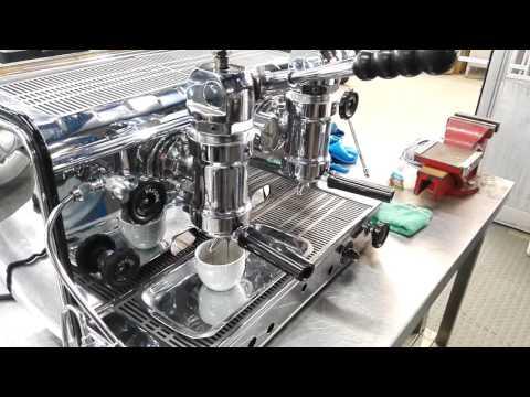 Vintage Espresso Machines - Gaggia America 2 group 1958 - Pulling shot