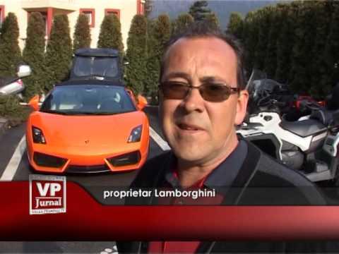 Lamborghini poleit cu aur și platină