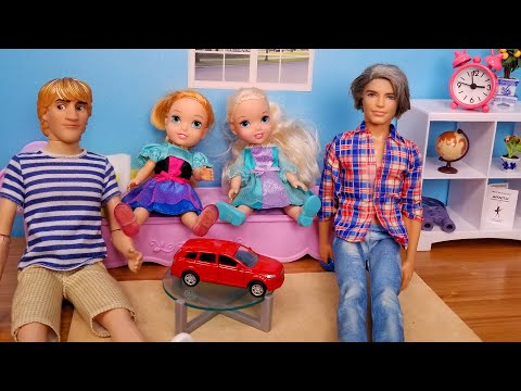 We forgot Father's Day ! Elsa and Anna toddlers - gifts - surprises- shopping