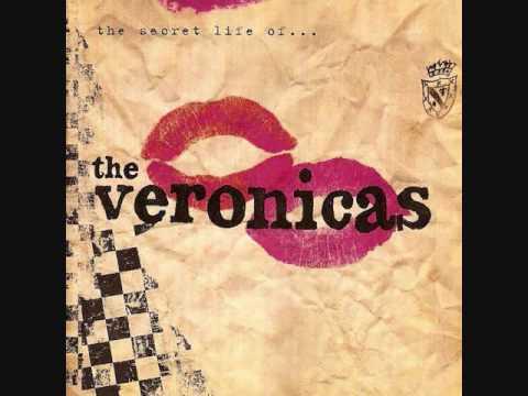 Tekst piosenki The Veronicas - Leave Me Alone po polsku