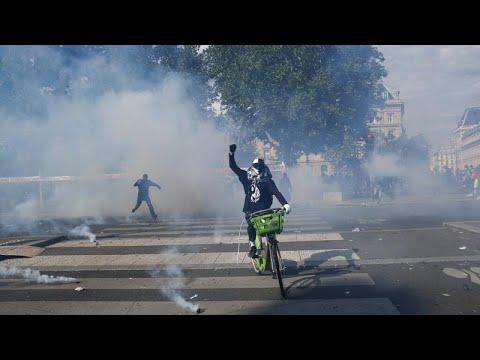Παρίσι: Ένταση και δακρυγόνα