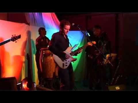 """Right Now"" – Fretless live"