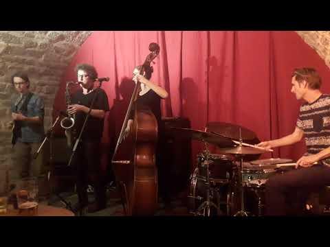 Molotow Moloch Quartet - Centre tchèque de Paris