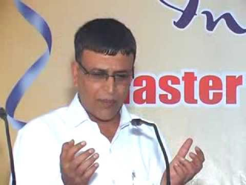master speaks (Vinod dwivedi) to the keen young audience of M.B.A. at Rishikesh