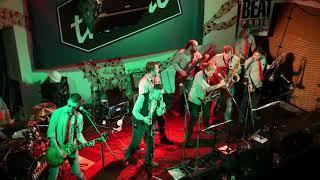 Video Třískáč - V korunách (live, křest CD)