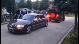 Pokaz mocy na osiedlu! Audi A8 4.2 TDI vs Land Rover Deffender