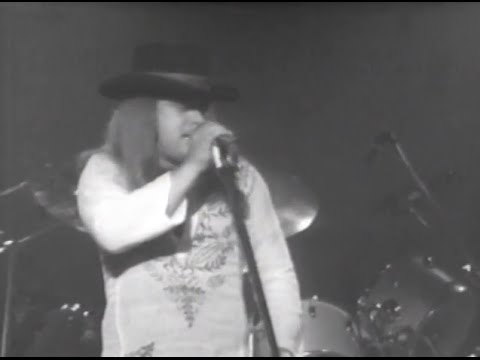 Lynyrd Skynyrd – I Ain't The One – 7/13/1977 – Convention Hall (Official)