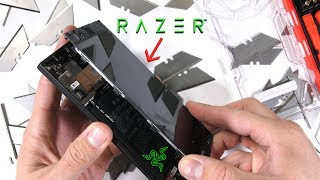 Razer Phone Teardown! - HUGE Heat Pipe - tiny vibrator