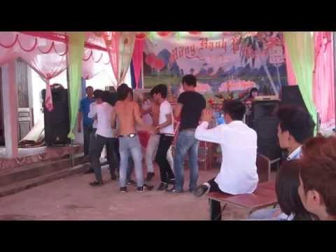 Thạc loạn nhảy nhạc sàn tại đám cưới