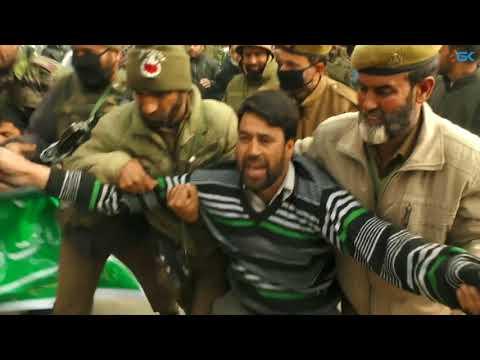 Police detain DFP protestors demanding medical help for Shabir Shah