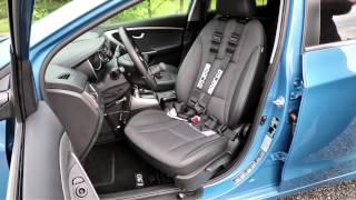 Mechanicky otočná sedačka 001 ve voze HYUNDAI i30