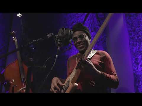 Richard Bona & Alfredo Rodriguez - Ay, Mamá Inés (Live at Tiny Room)