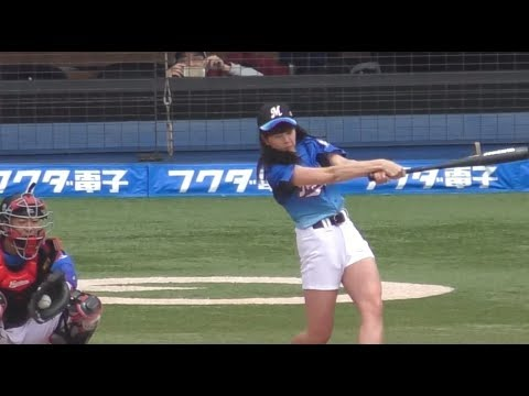 女星替棒球賽開球通常的表現都是弱弱的,但是這位「地表最強的棒球女神」卻讓球員都受驚啊!