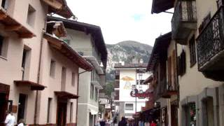 Courmayeur Italy  City pictures : Alpine village of Courmayeur, Italy