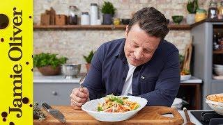 Video 3 Minute Tomato Pasta Sauce | Jamie Oliver & Davina McCall MP3, 3GP, MP4, WEBM, AVI, FLV Agustus 2019