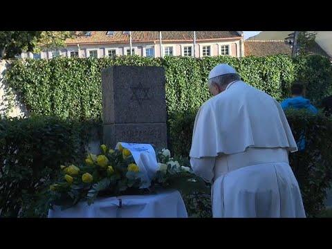 Papst Franziskus erinnert an Holocaust-Opfer und w ...