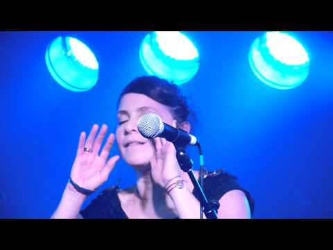 Nouvelle Vague 'Love Will Tear Us Apart' HD @ Manchester, Academy 3, 02.11.2010