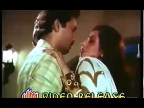 Video Dimple kapadia boobs pressed in mouth download in MP3, 3GP, MP4, WEBM, AVI, FLV January 2017