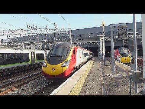 Virgin Trains 'Pendolino' departs London Euston (31/1/18)