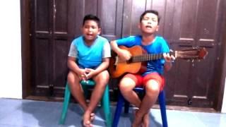 Video LUAR BIASA Duet Anak Sibolga Menyanyikan Lagu Batak Mardua Holong MP3, 3GP, MP4, WEBM, AVI, FLV Juli 2018