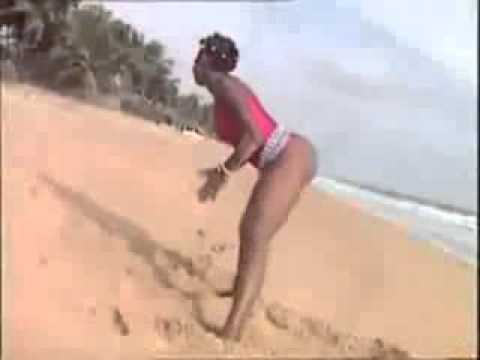 ivory coast mapouka. - More videos on http://ondikoi.net Plus de videos sur http://ondikoi.net Mapouka, the African booty dance is the origin of so call twerking.