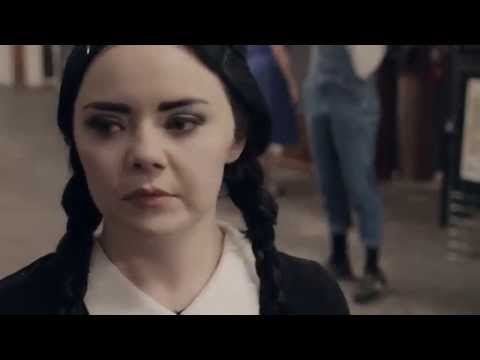 Adult Wednesday Addams s2e6 The Flea Market