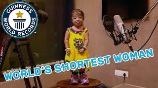 Video Meet the World's Shortest Woman - GWR Beyond The Record MP3, 3GP, MP4, WEBM, AVI, FLV Agustus 2018
