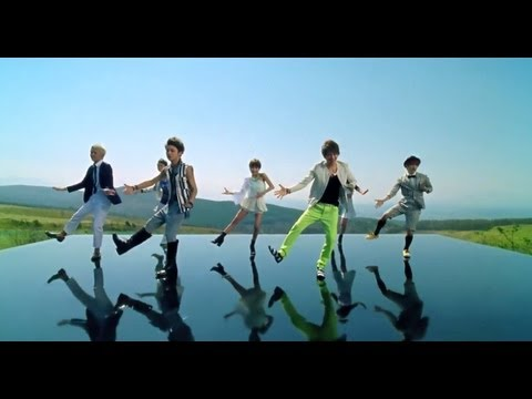 AAA / 「Love Is In The Air」Music Video
