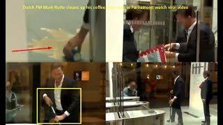 video-do-primeiro-ministro-mark-rutte-se-divertindo-ao-utilizar-um-esfregao-para-limpar-a-bagunca-viralizou-na-internet-e-provocou-elogios