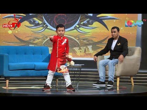 Thần đồng cải lương bé Dương Công Tuyển đánh karate VĂNG GIÀY trên talkshow Giải Mã Kỳ Tài