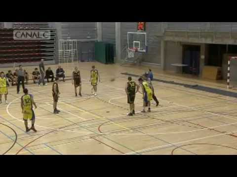 Basketball Player Tries to Score in the Wrong Basket, Misses 4 Times