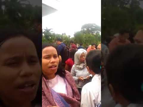 印尼6.4地震 雅加達大樓緊急疏散[影]