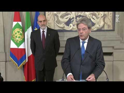 il ministro degli esteri gentiloni, accetta l'incarico da mattarella.