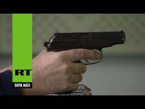 Esto pasa si le disparas con una pistola Makarov al 'iPhone 7 antibalas' ruso