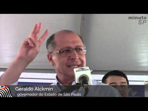 Governador entrega casas em Tapiraí