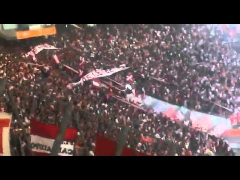 La canción más emotiva de la Historia de Los Pincharratas - Los Leales - Estudiantes de La Plata - Argentina - América del Sur