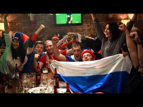 Freude und Stolz in Moskau nach dem 5:0-Auftakt bei d ...