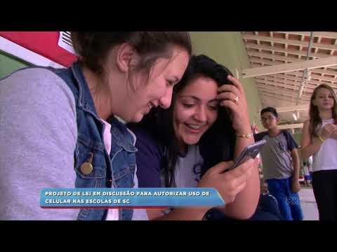 Projeto de lei em discussão para autorizar uso de celular nas escolas de SC