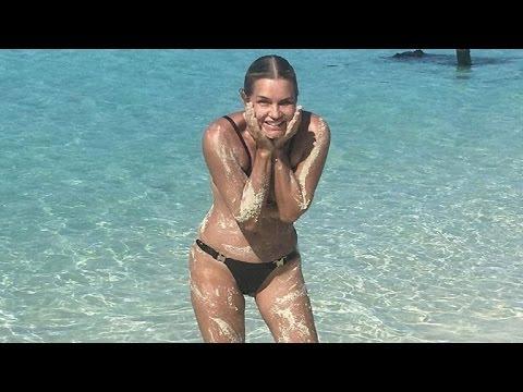 Bella Hadid And Yolanda Foster Flaunts Hot Bikini Body