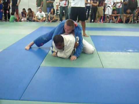 Brazilian jiu jitsu  vs  Judo..