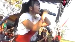 monata 2011-KERANDA CINTA - RENA KDI - YouTube.flv