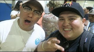 MEETING LEGITLOOKSFORLIFE AND OTHER YOUTUBERS AT SNEAKER GAMES IN HOUSTON TX!SEND ME ANYTHING!PO BOX 41914HOUSTON TX 77241MAIN CHANNEL:https://www.youtube.com/c/ceetv91NEWEST MAIN CHANNEL VIDEO:https://www.youtube.com/watch?v=R6qVNzzrjEs&t=79sFacebook: CEETV91Instagram: @CEETV91Snapchat: cesartomas91Twitter: @CEETV91THANK YOU FOR WATCHING. PLEASE LIKE, COMMENT & SUBSCRIBE FOR DAILY VIDEOS.
