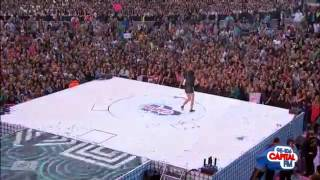 Jessie J - Domino Live at Capital Summertime Ball 2012.flv
