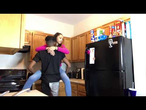 """LETS """"DO IT"""" ON THE KITCHEN COUNTER PRANK ON MY BESTFRIEND !! 😍💦"""