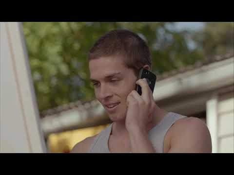 Wade Briggs / Josh Thomas (gay scene #9) - Please Like Me (tv series / comedy drama)