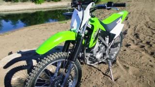 1. 2017 Kawasaki KLX 140G