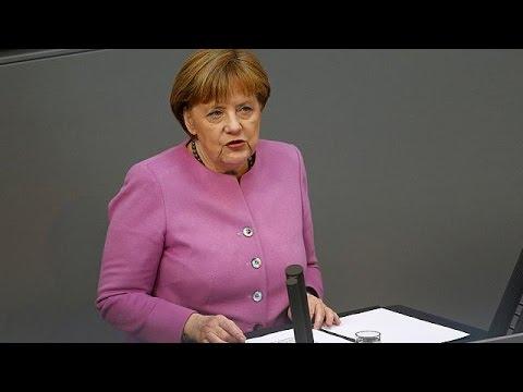 Angela Merkel se défend de céder au chantage de la Turquie sur les migrants