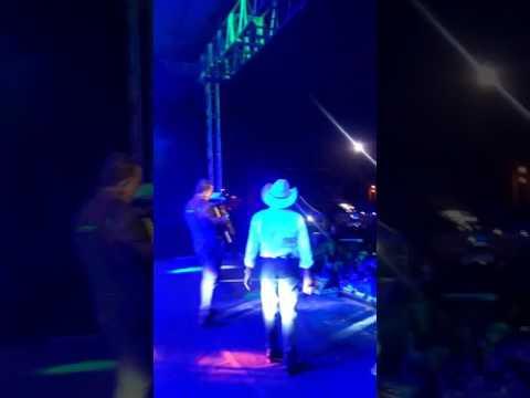 Show em são João do Manhuaçu MG trio parada dura aceita que doi menos
