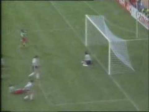 Camerún vence a equipo argentino comandado por Maradona en el mundial de Italia 90