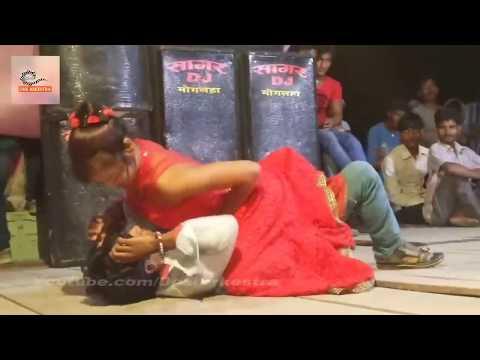 Video तानी लहँगा उठा के चुम्मा ले ल राजा जी #Bhojpuir Stage Show With Beautiful Nepali Dancer download in MP3, 3GP, MP4, WEBM, AVI, FLV January 2017